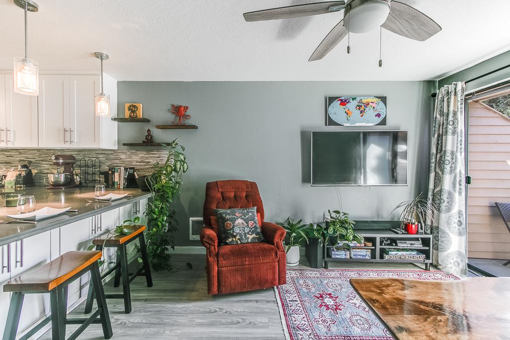 Livingroom3-9927-MLS